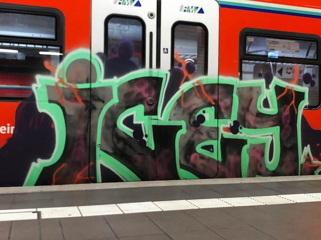 Ankunft und Abfahrt Ostendstraße