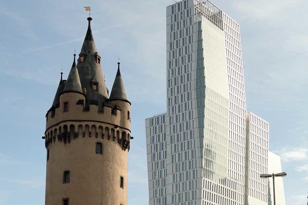 Eschenheimer Turm und Palais Quasrtier