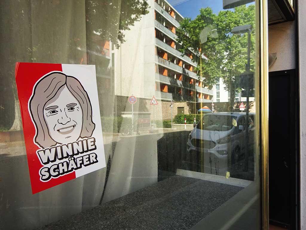Aufkleber mit Legenden der Offenbacher Kickers - Winnie Schäfer