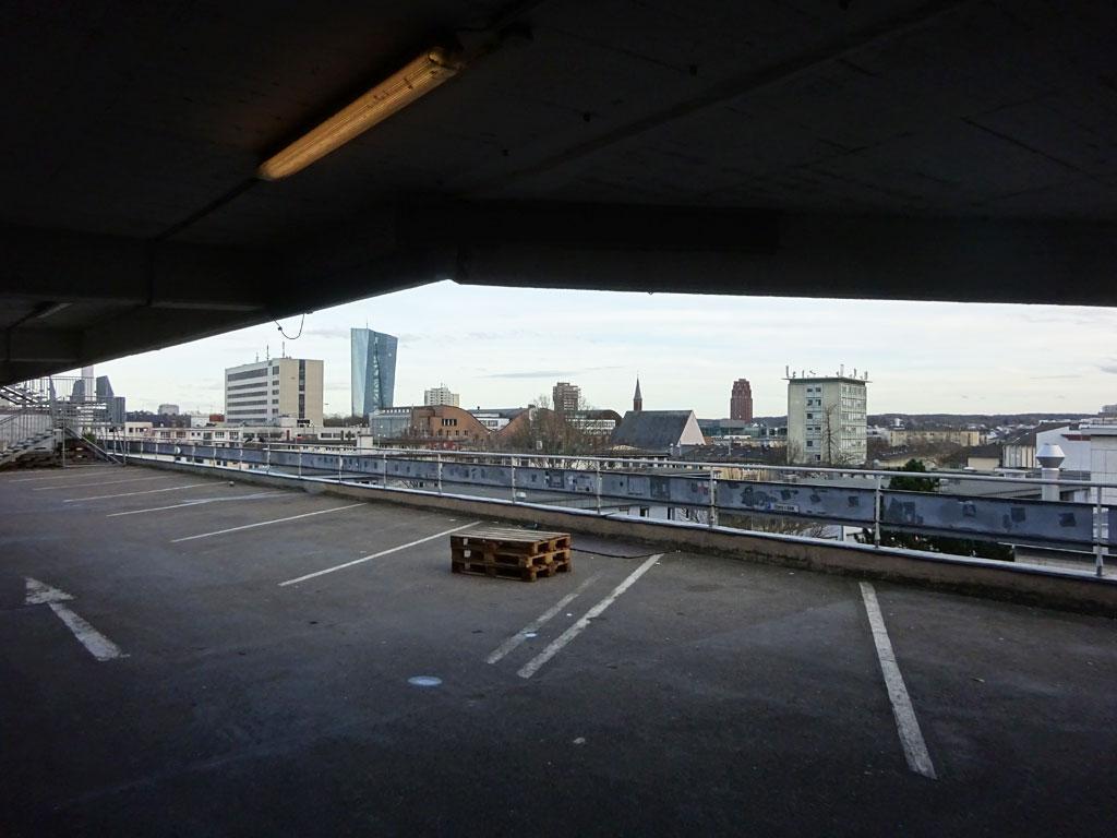 Ausblick vom P&C-Parkdeck in Frankfurt