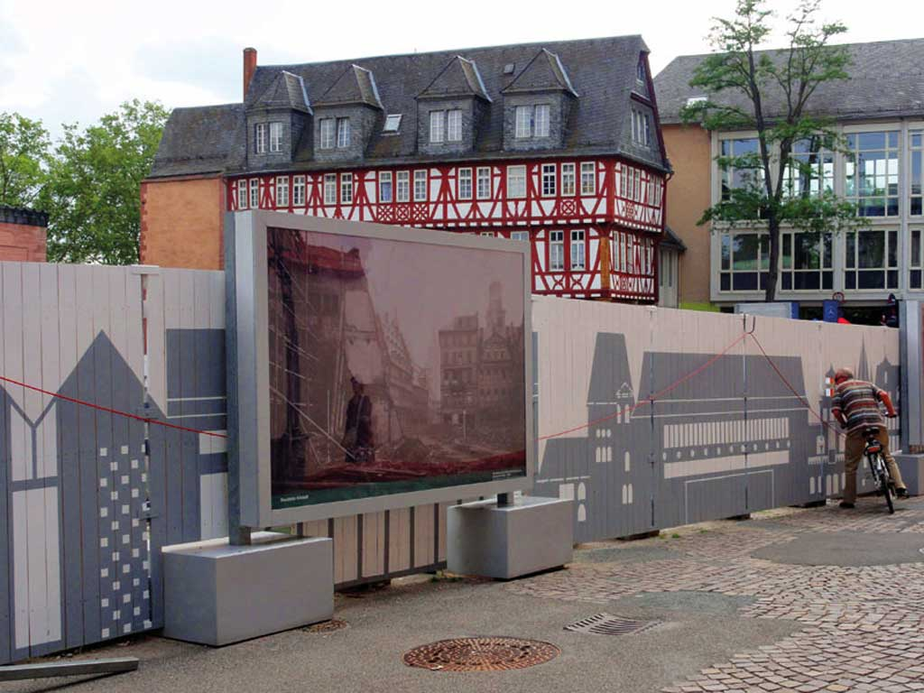 Bauzaun am Historischen Museum Frankfurt
