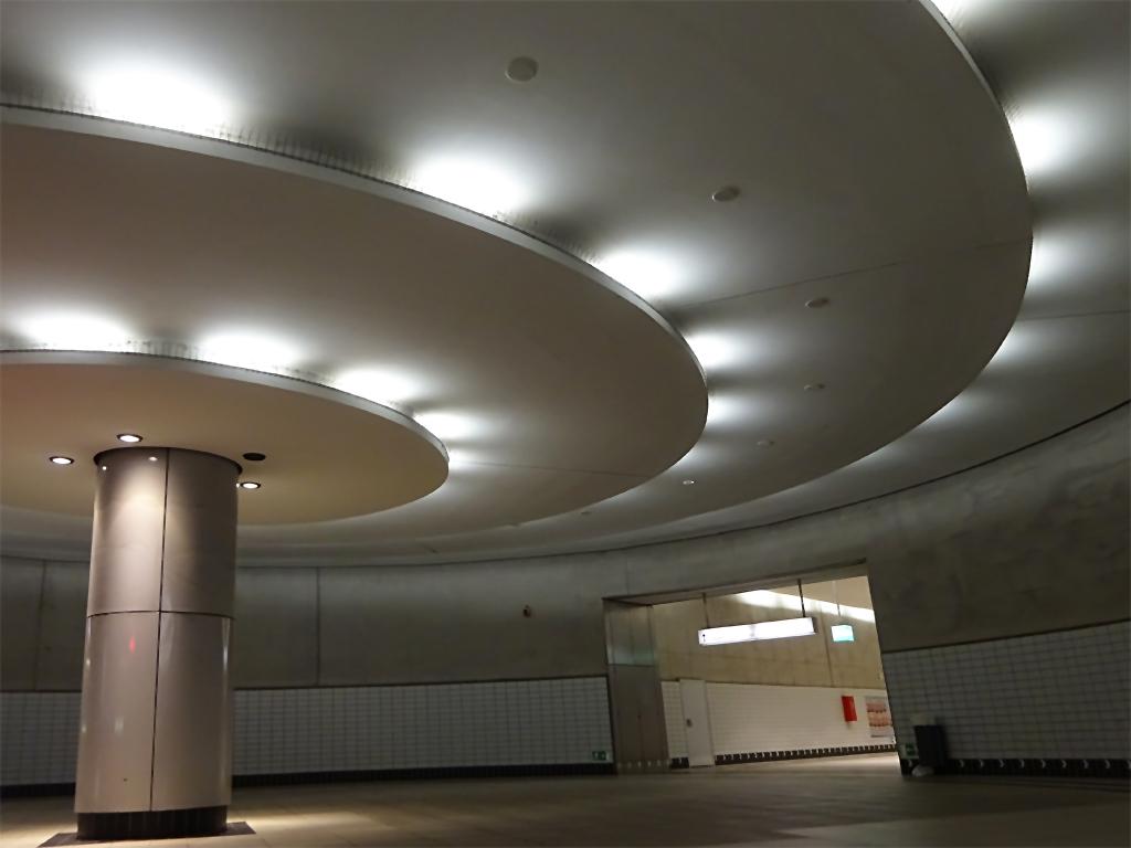 B-Ebene der U-Bahn-Station Bockenheimer Warte, Zugang Senckenberganlage