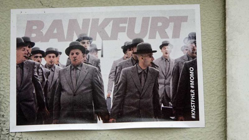 """""""Bankfurt""""-Aufkleber von KNSTFHLR mit den grauen Herren aus Momo"""