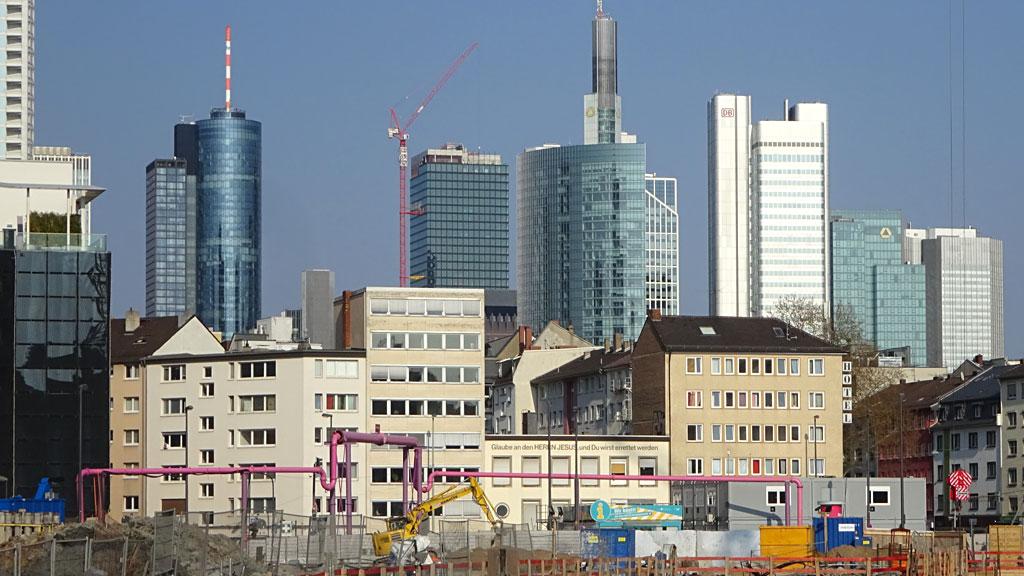 Große Baustelle bei Skyline Plaza in Frankfurt