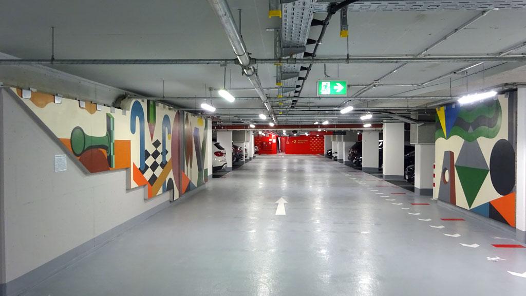Wandbilder von Benno Walldorf im Dom-Römer-Parkhaus in Frankfurt