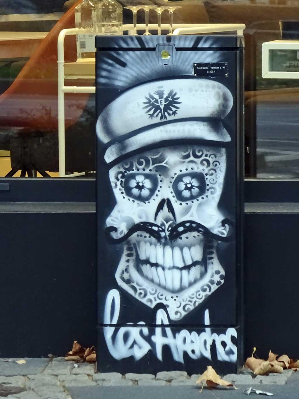 Graffitigestaltung eines Stromkastens von Bomber