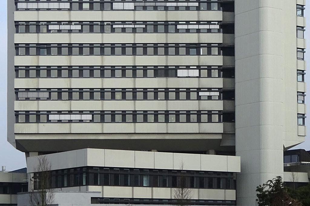 Brutalismus in Offenbach - das rathaus in der Berliner Straße