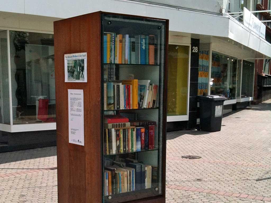 Bücherschrank am Merianplatz in Frankfurt