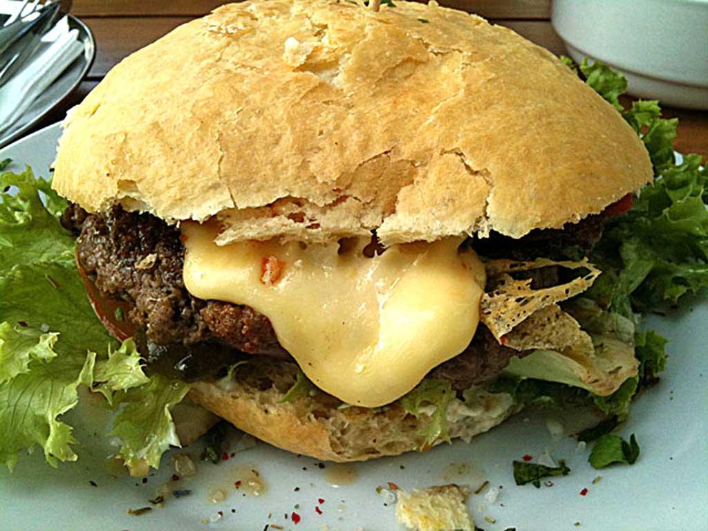 Burger bei Heroes Burger in Frankfurt