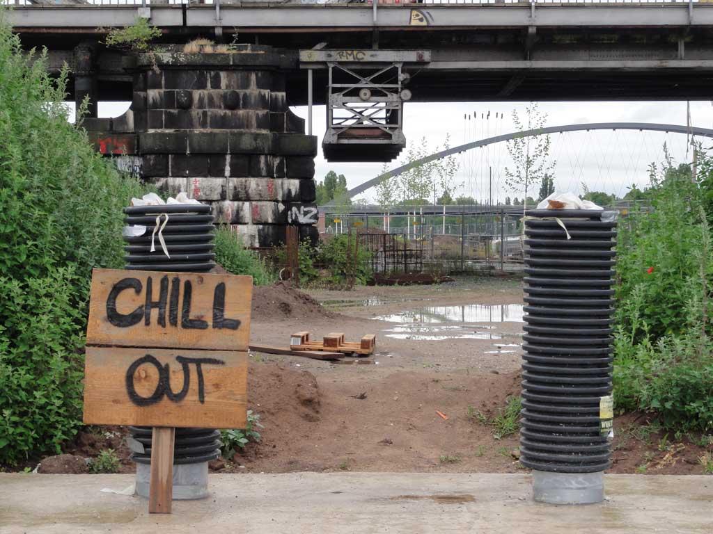 Chill out an der Deutschherrnbrücke in Frankfurt