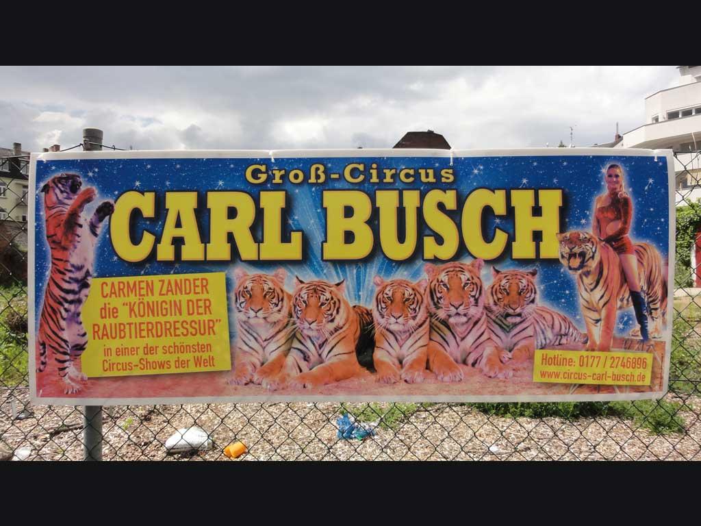 Protest gegen Circus Carl Busch
