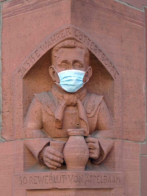 Göttertroppe mit Mund-Nasen-Schutz