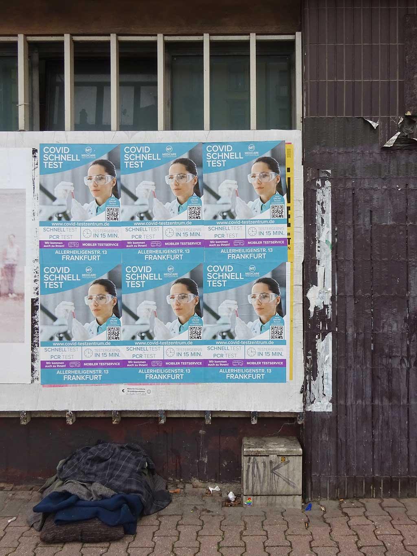 Plakatierung in Frankfurt - COVID19 Schnelltest