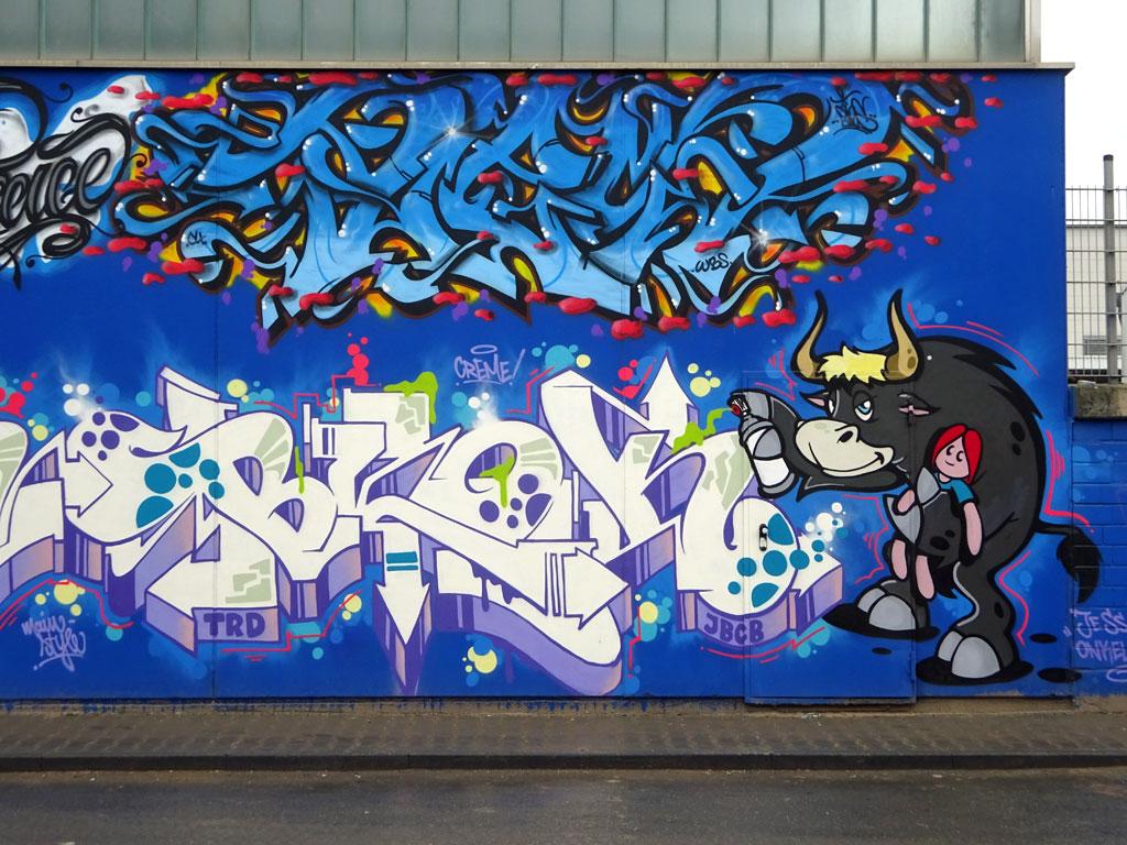 Das Dreckige Dutzend - Europa-Wall im Industriegebiet in Frankfurt-Ost