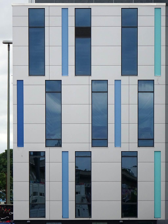 Fassade des neuen Rechenzentrums FRA15