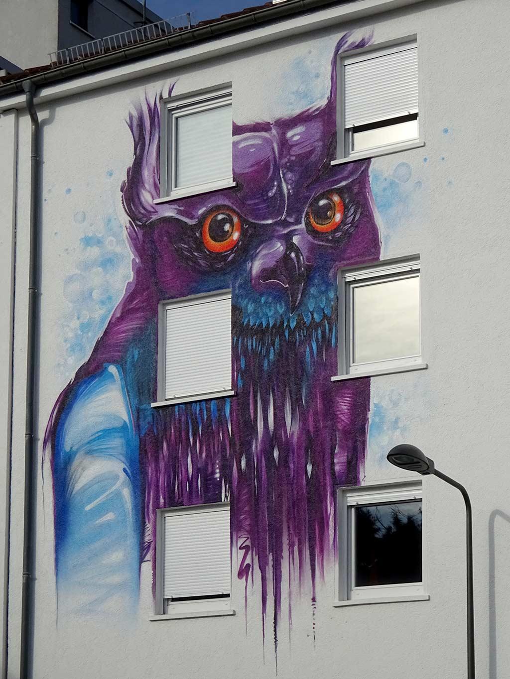 Fassadenkunst mit Eule in Frankfurt
