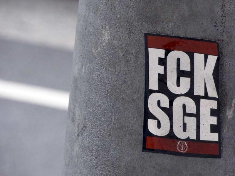 FCK-Aufkleber in Frankfurt