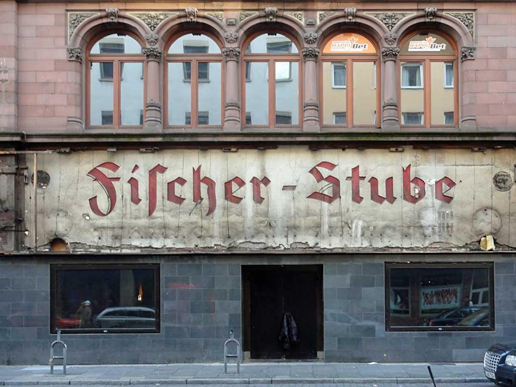 Freigelegtes Schil im Bahnhofsviertel Frankfurt : Fischer-Stube