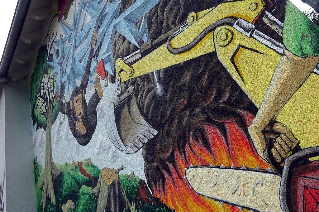 Mural in Frankfurt-Ginhheim: Mensch vs Natur