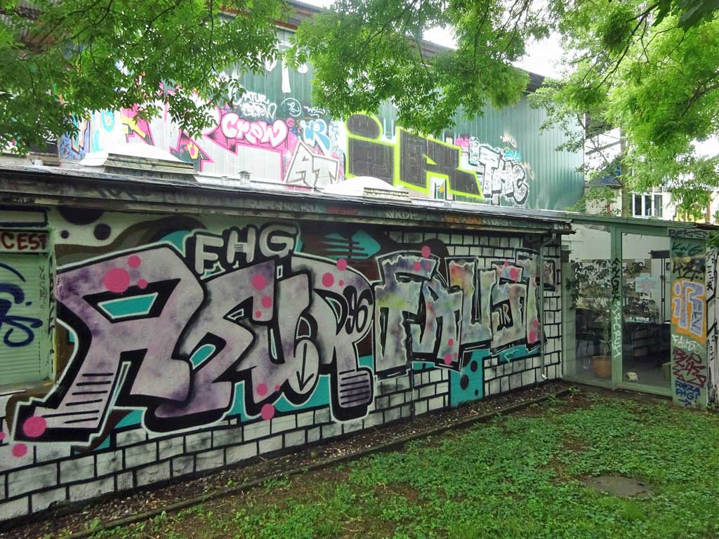 Graffiti beim Jugendhaus Am Bügel in Frankfurt am Main