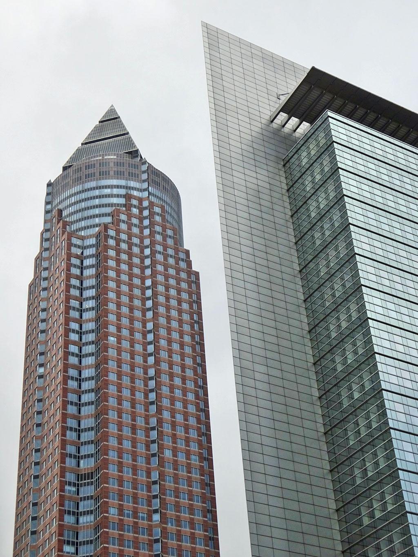 Hochhäuser in Frankfurt - Messeturm und Kastor