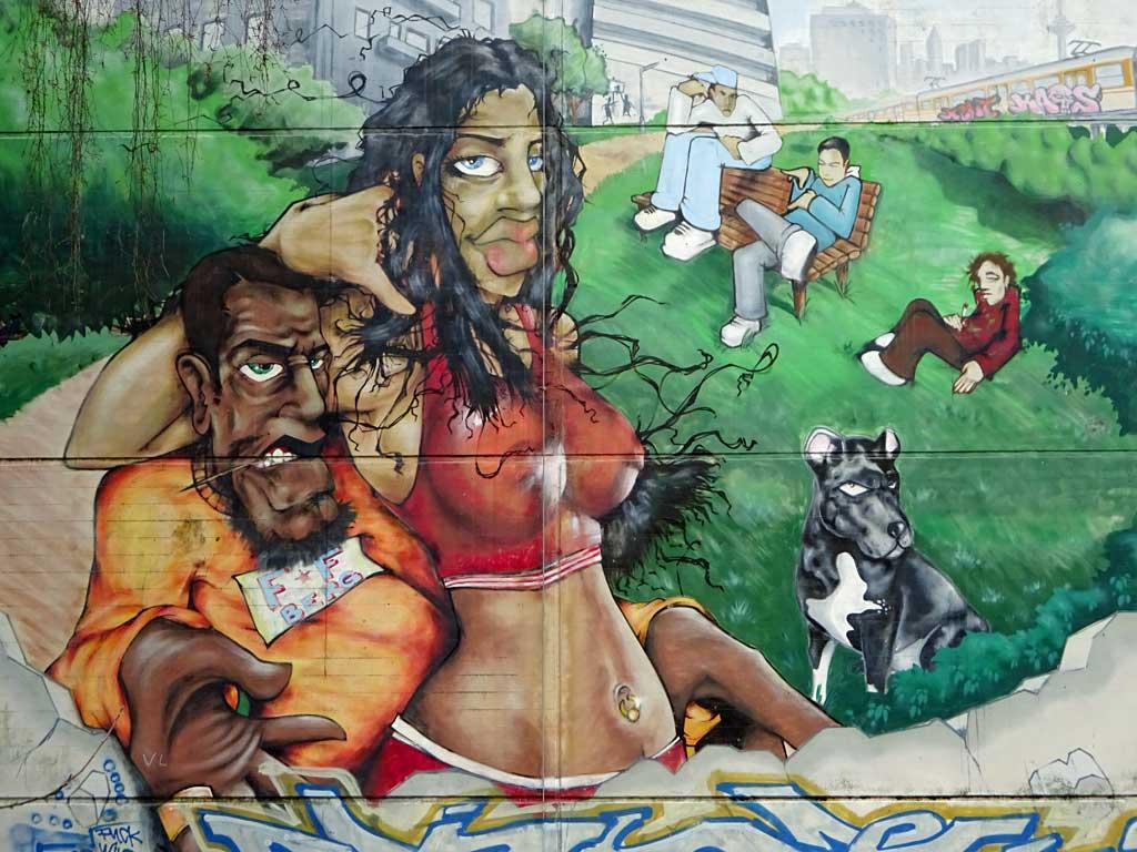Frankfurter Berg-Mural - Graffiti-Wandbild an Parkaus-Fassade