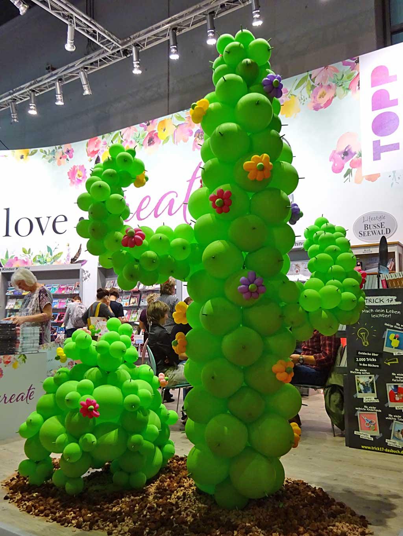 Fotos von der Frankfurter Buchmesse 2018 - Kaktus aus Luftballons