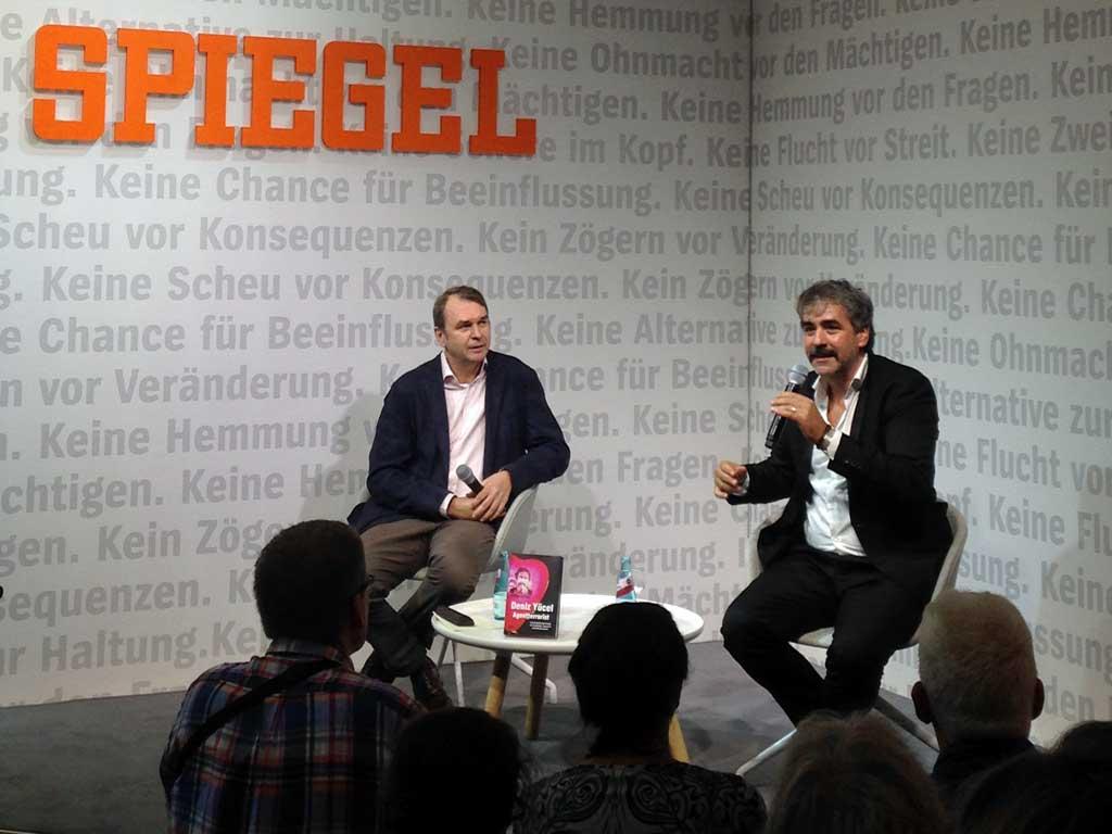Frankfurter Buchmesse 2019 - Deniz Yücel beim Spiegel