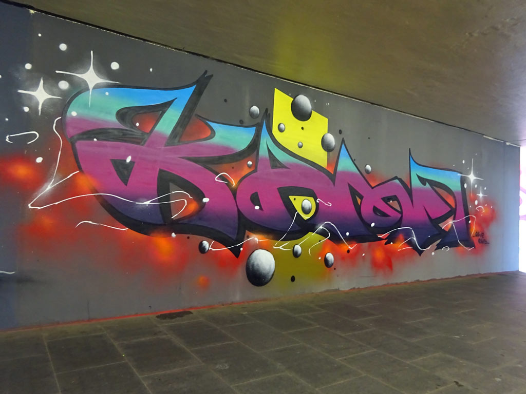 Graffiti-Wandkunst rund um den Bahnhof in Langen