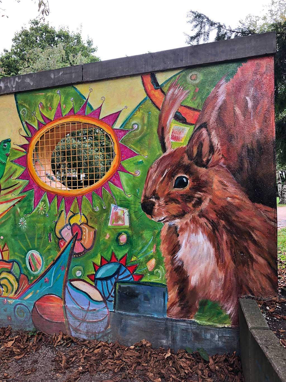 Wandkunst von Three For Wall im Günthersburgpark
