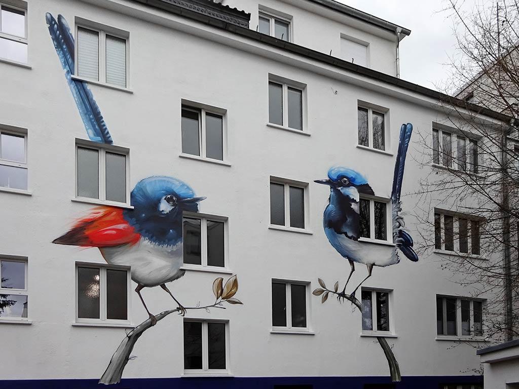 Haus mit Vögeln in Frankfurt-Hausen