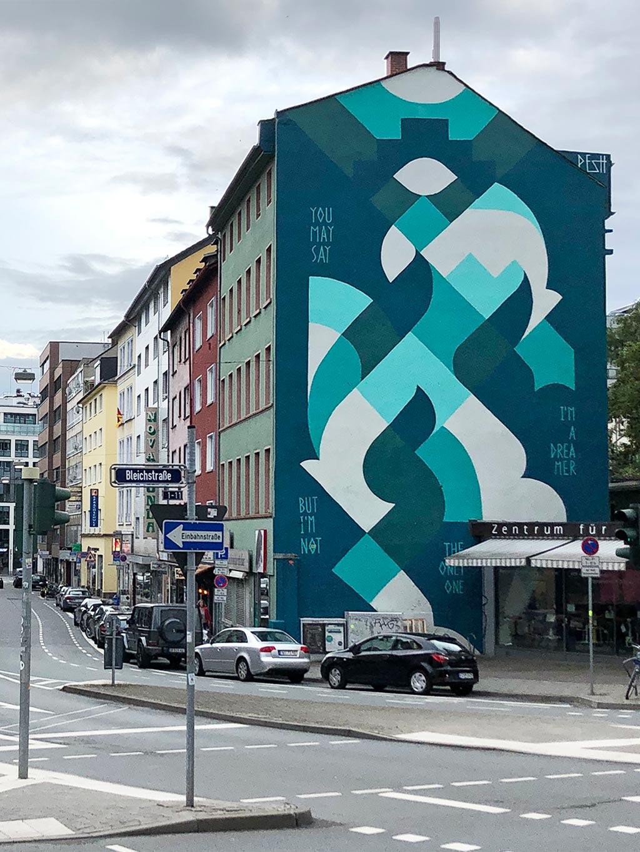 Hausfassaden-Streetart von Pesh in Frankfurt