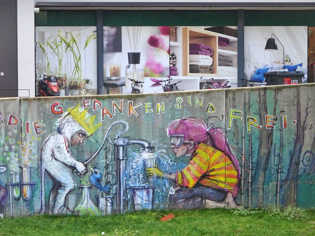 Die Gedanken sind frei - Streetart von Herakut in Bad Vilbel