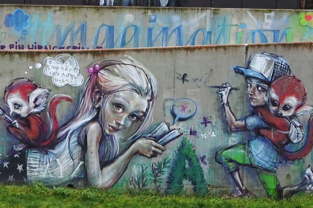 Streetart von Herakut in Bad Vilbel an der Stadtbibliothek