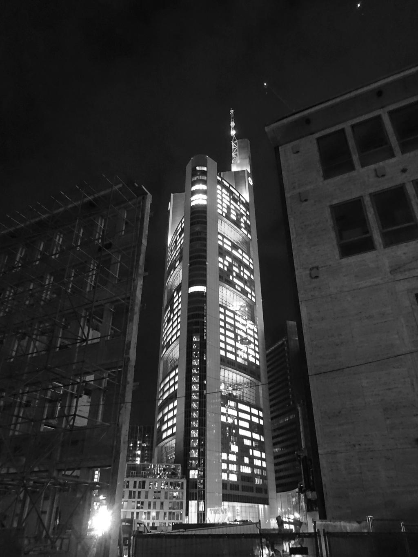 schwarz-weiss-fotografie frankfurt commerzbank hochhaus