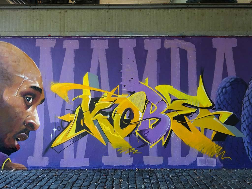 Koby Bryant Graffiti an der Friedensbrücke in Frankfurt