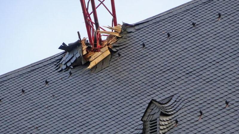 Kranausleger im Dach des Doms in FRankfurt