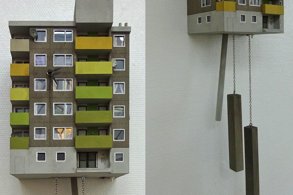 Hochhaus-Wohnblock als Kuckucksuhren von Guidozimmermann