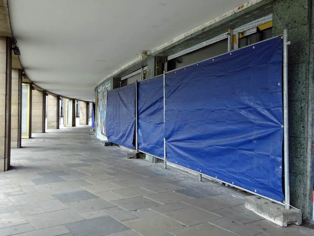 Umbauarbeiten an der Ladenzeole des Frankfurter Hofs in Frankfurt am Main