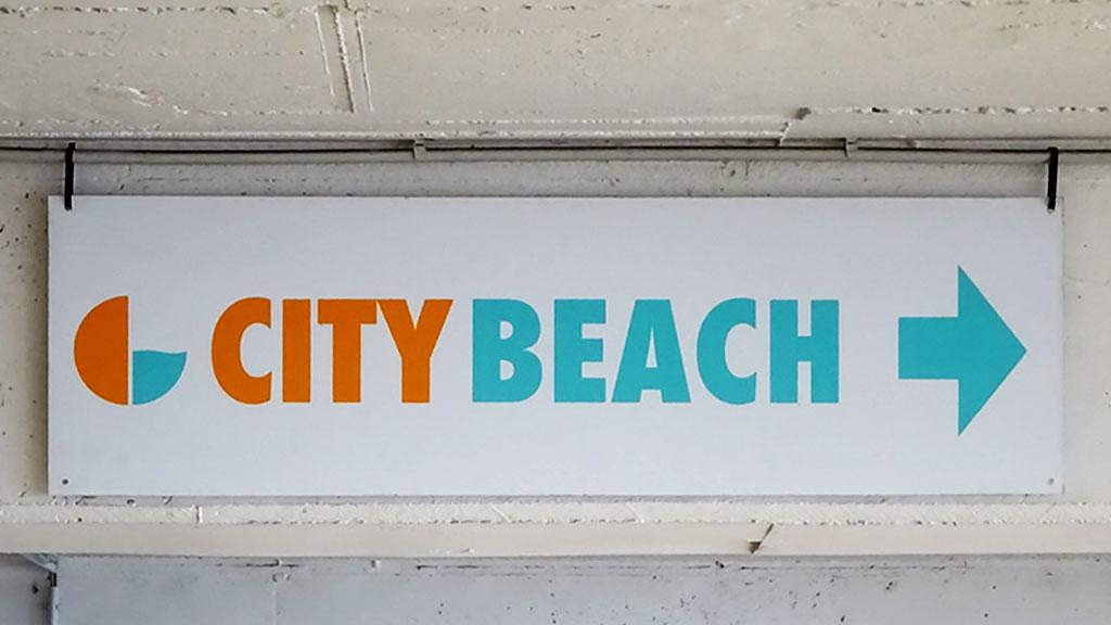 Typografie, Schilder und Logos in Frankfurt - City Beach