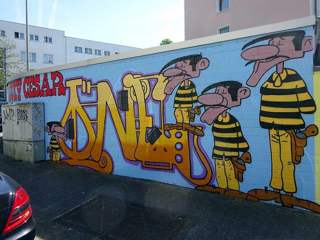 Streetart bei der Pizzeria Lucky Luke in Frankfurt Bornheim