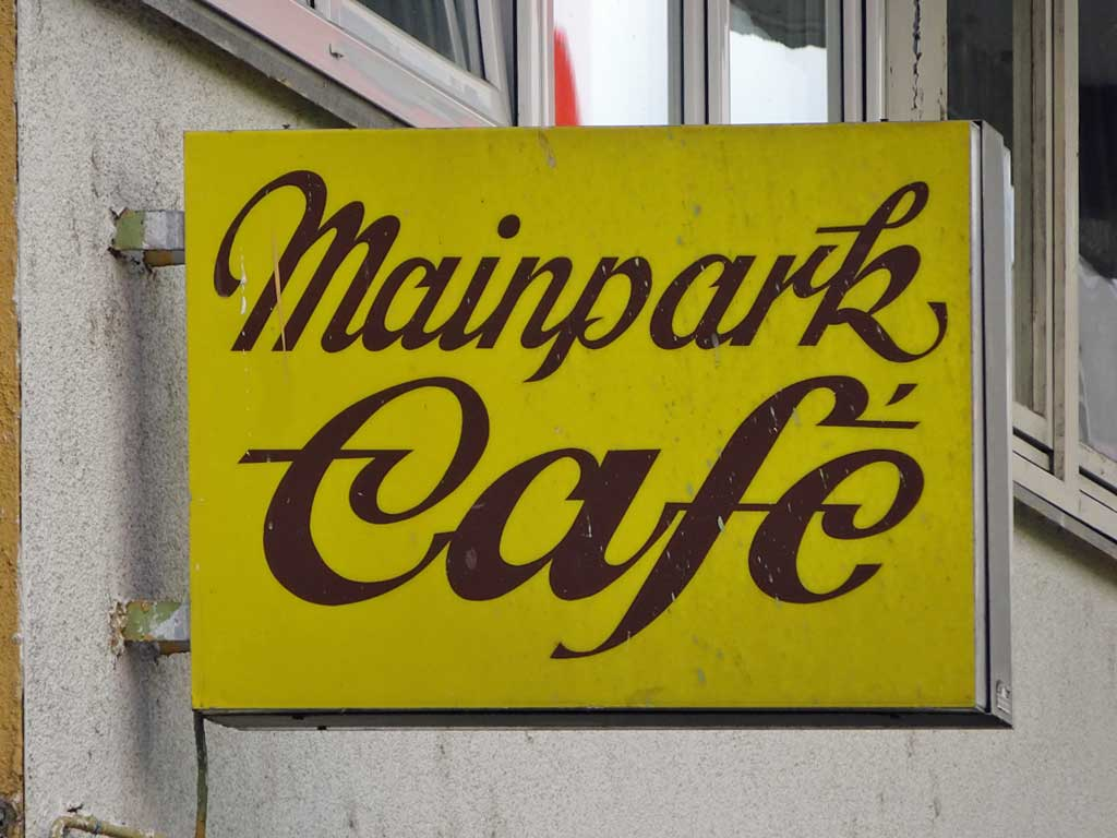 Typografie in Offenbach - Mainpark Café