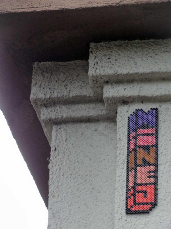 Bügelperlen-Streetart-in Frankfurt von MINEJ