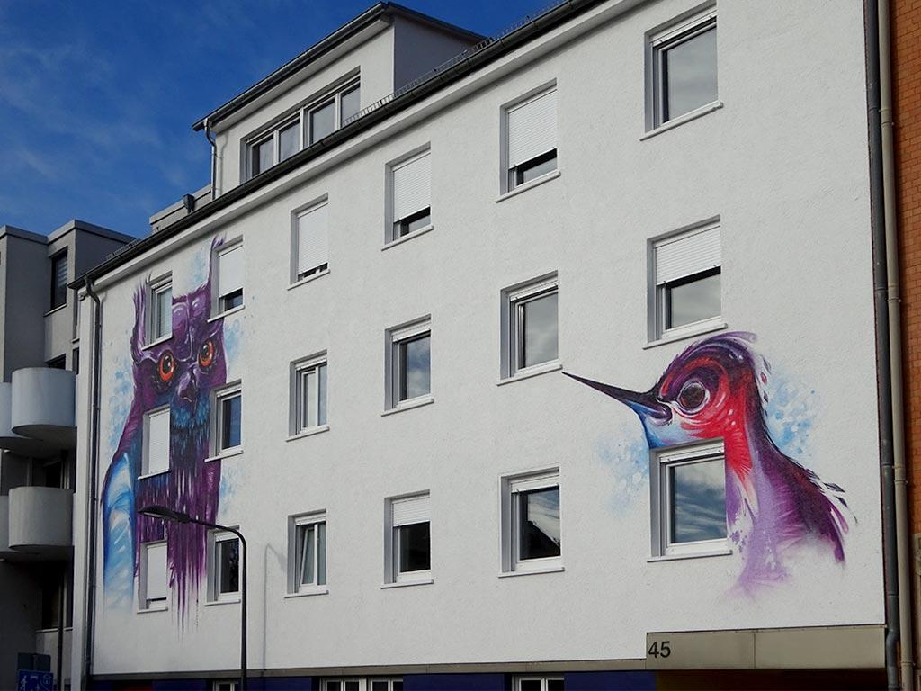 Mural Art mit Eule und Kolibri in Frankfurt-Hausen