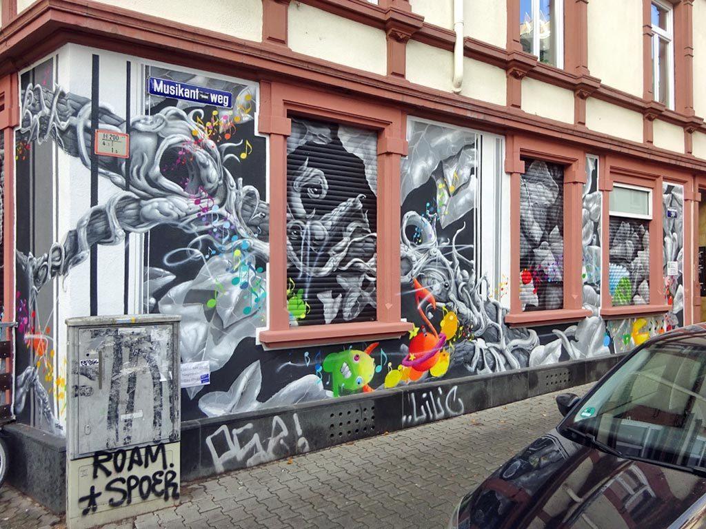 Mural in Frankfurt von Honsar