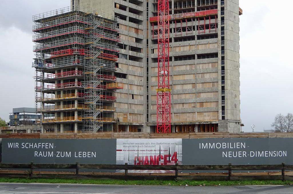 Bauarbeiten an den KWU-Hochhäusern in Offenbach