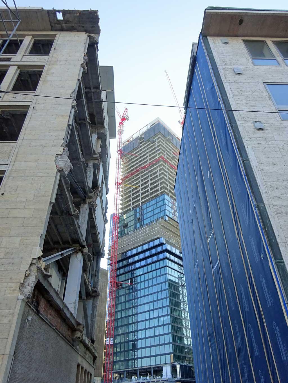 Omniturm in Frankfurt im Aufbau