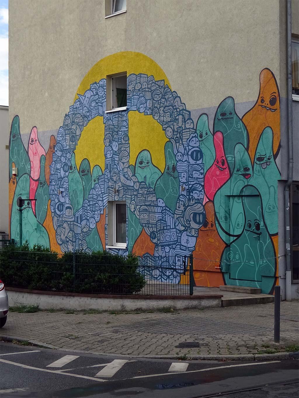 Peace Graffiti und Cityghosts Streetart