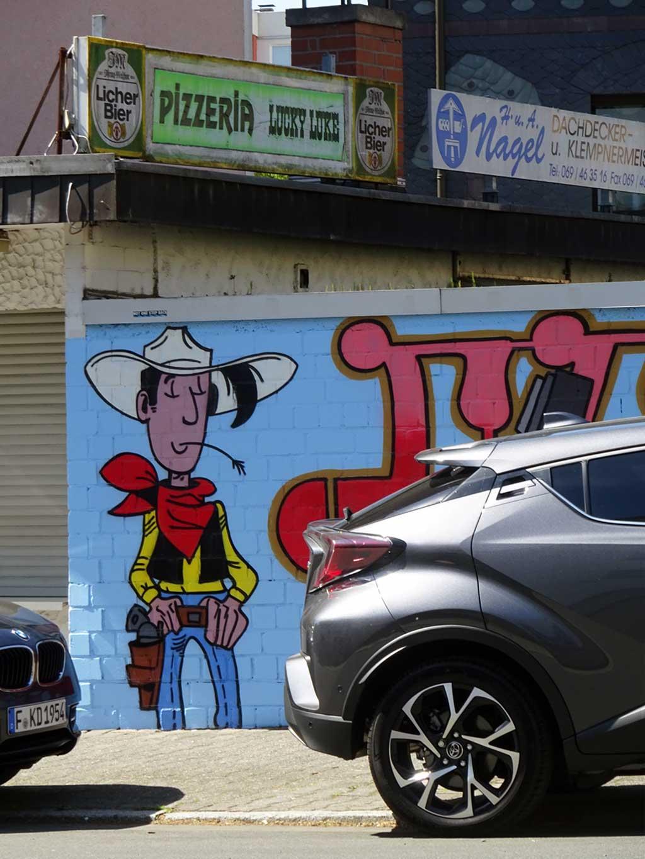 Graffiti bei der Pizzeria Lucky Luke in Frankfurt Bornheim