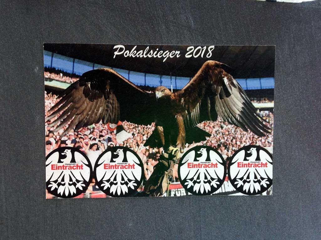 Pokalsieger 2018 - Vier Eintracht-Wappen mit Adler